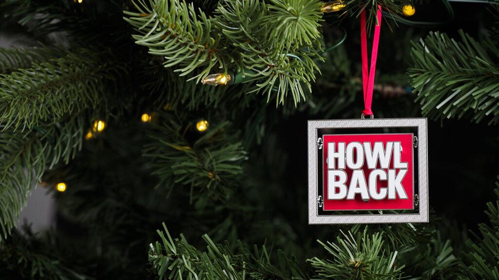 Howl Back Ornament